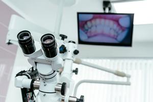 審美歯科で活躍するマイクロスコープ