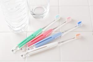 小さめヘッドの歯ブラシ